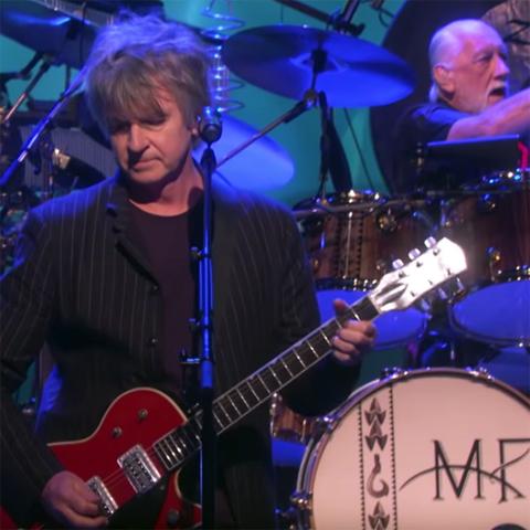 Watch Fleetwood Mac perform The Chain will Neil Finn